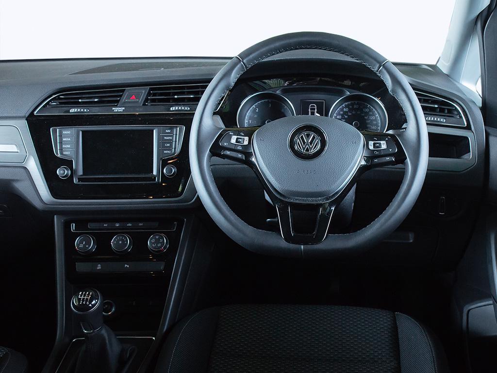 Volkswagen Touran 1.5 TSI EVO SE Family DSG 5dr